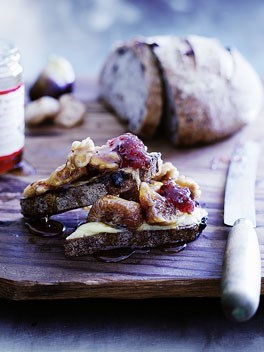 **Cheese and figs on toast**