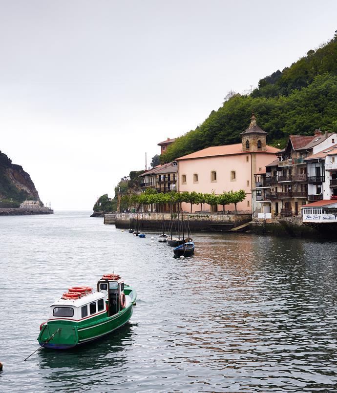 **The boat to Pasajes San Juan**