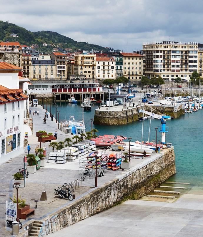 **The city's harbour, La Concha**