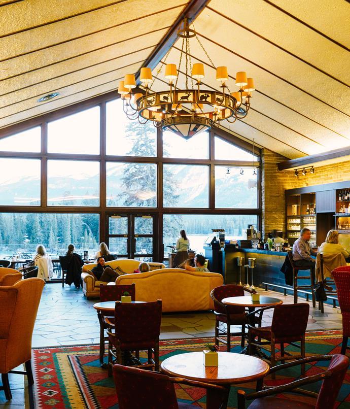 **Fairmont Jasper Park Lodge Emerald Lounge**