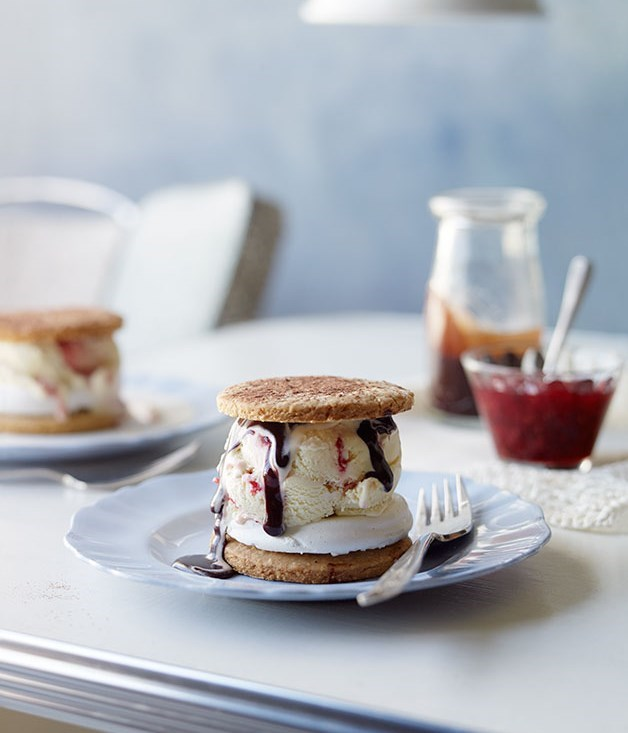 **Marshmallow and jammy ice-cream sandwich with choc-fudge sauce**