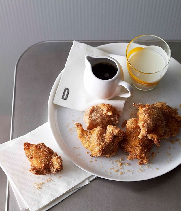 **Apple and buttermilk fritters**