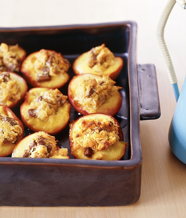 **Baked nectarines stuffed with coconut and milk chocolate**