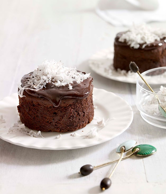 "[**Rum, chocolate and coconut cakes**](https://www.gourmettraveller.com.au/recipes/browse-all/rum-chocolate-and-coconut-cakes-10005|target=""_blank"")"