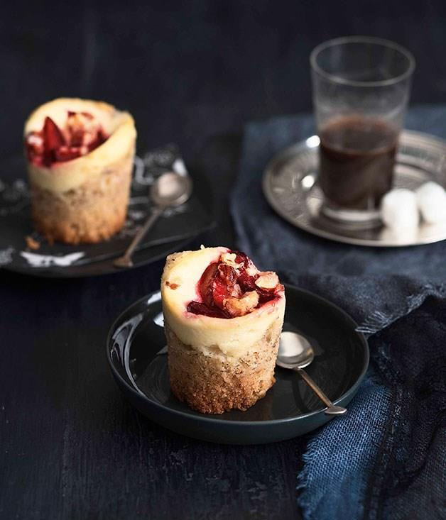 **Plum and ricotta crumble cakes**
