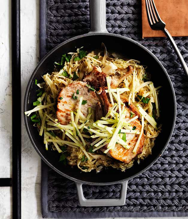 Pork with cabbage, apple and mustard