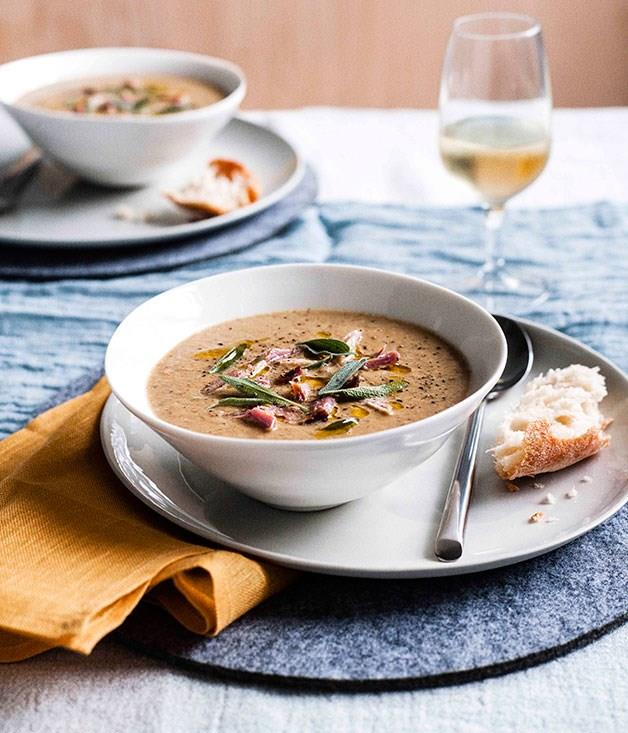"[**Smoked ham hock, caramelised onion and lentil soup**](https://www.gourmettraveller.com.au/recipes/chefs-recipes/smoked-ham-hock-caramelised-onion-and-lentil-soup-9076|target=""_blank"")"