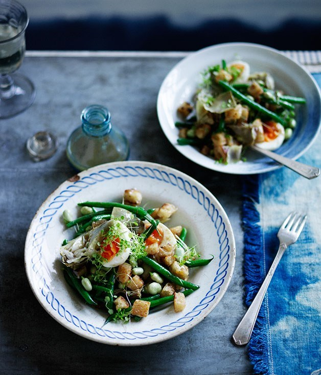 **Artichoke salad with green beans, egg and anchovy dressing**