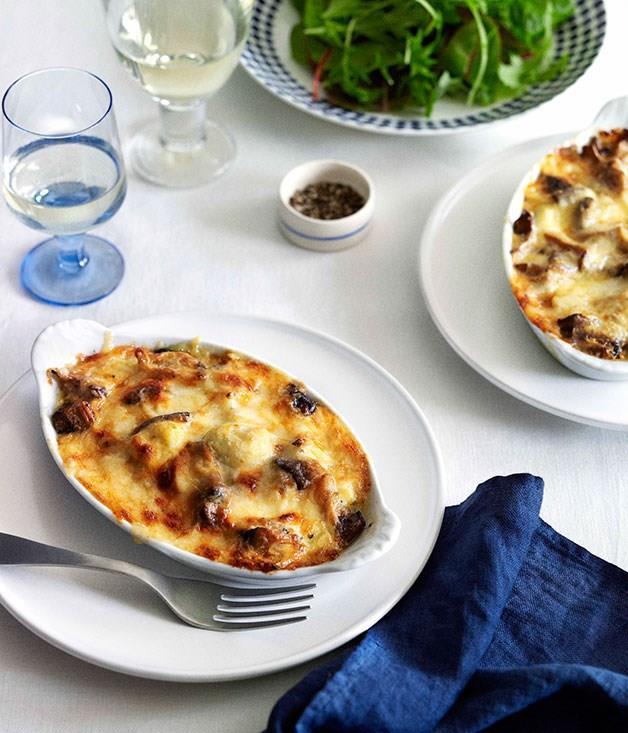 """**[Gnocchi à la parisienne](https://www.gourmettraveller.com.au/recipes/chefs-recipes/gnocchi-a-la-parisienne-8930 target=""""_blank"""")**"""
