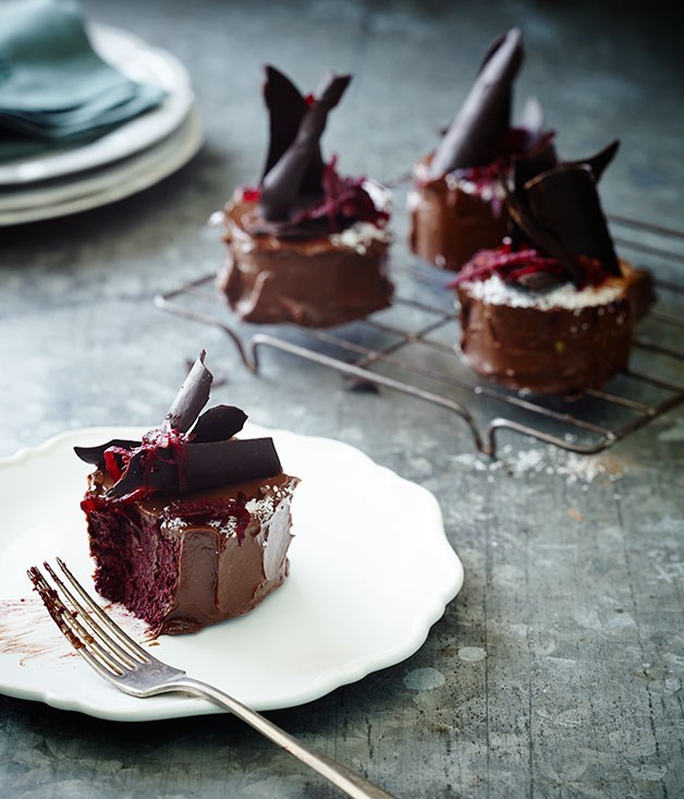 "[**Beetroot chocolate mud cakes**](https://www.gourmettraveller.com.au/recipes/chefs-recipes/beetroot-chocolate-mud-cakes-8220|target=""_blank"") <br><br> Dense, rich and moist with a ganache-like texture, this [Pete Evans](http://www.gourmettraveller.com.au/news/food-and-culture/pete-evans-how-i-eat-15743