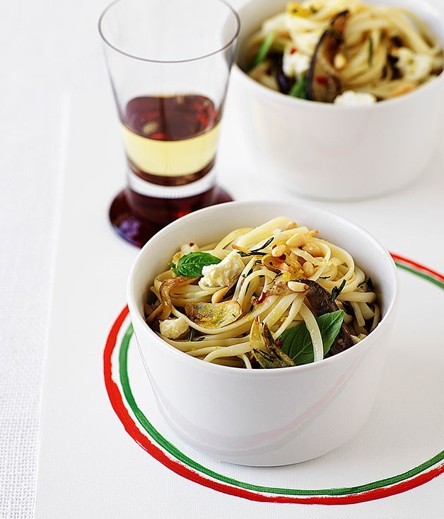 **Linguine with fried eggplant and caciotta**