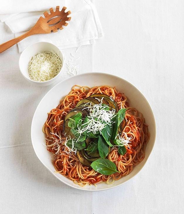 "[**Spaghetti alla norma**](https://www.gourmettraveller.com.au/recipes/fast-recipes/spaghetti-alla-norma-13183|target=""_blank"")"