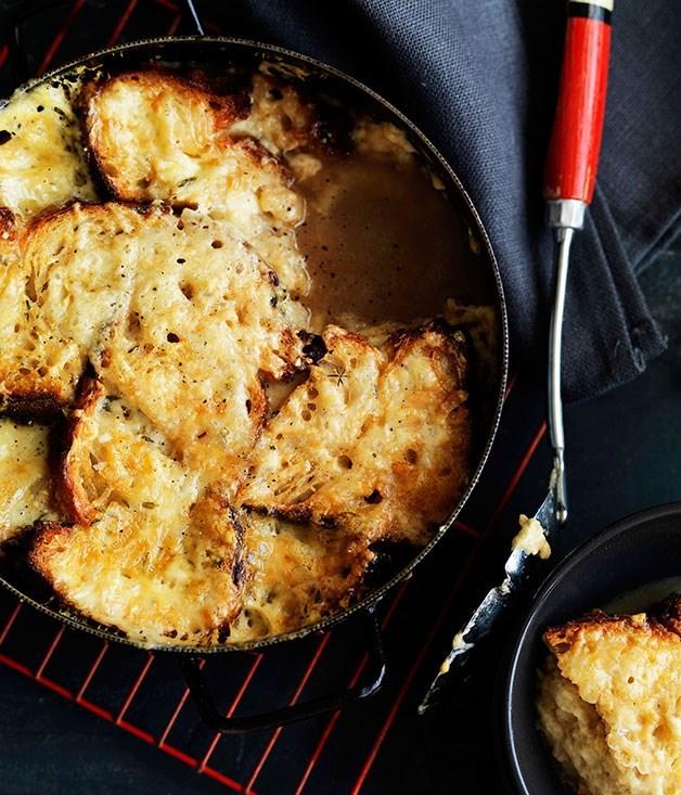 **Cheese and bread soup (zuppa di formaggi)**