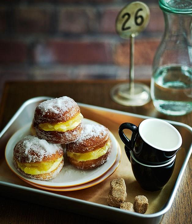 "[**Doughnuts with apple compote and custard**](https://www.gourmettraveller.com.au/recipes/chefs-recipes/doughnuts-with-apple-compote-and-custard-9172|target=""_blank"")"