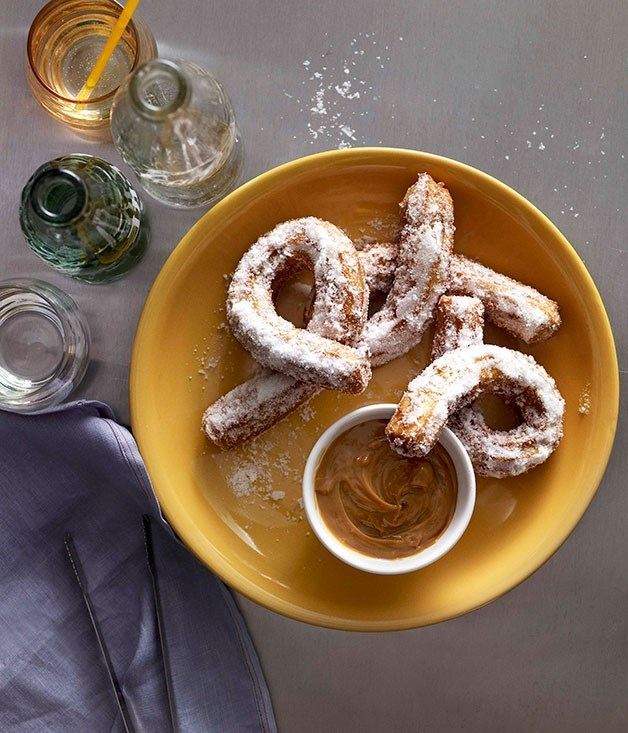 **Salty-sweet churros with dulce de leche**