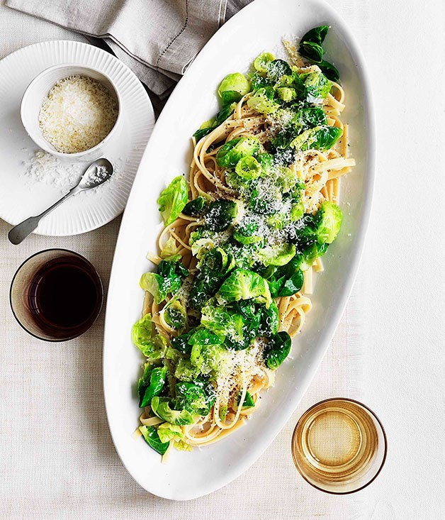 **Fettuccine with Brussels sprouts, pecorino and garlic**