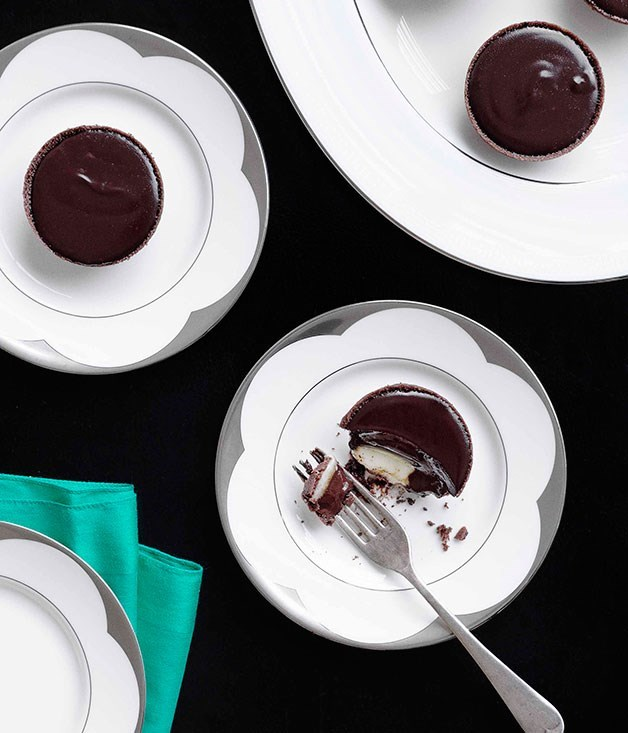 "[**Mint chocolate tarts**](https://www.gourmettraveller.com.au/recipes/chefs-recipes/mint-chocolate-tarts-7532|target=""_blank"")"