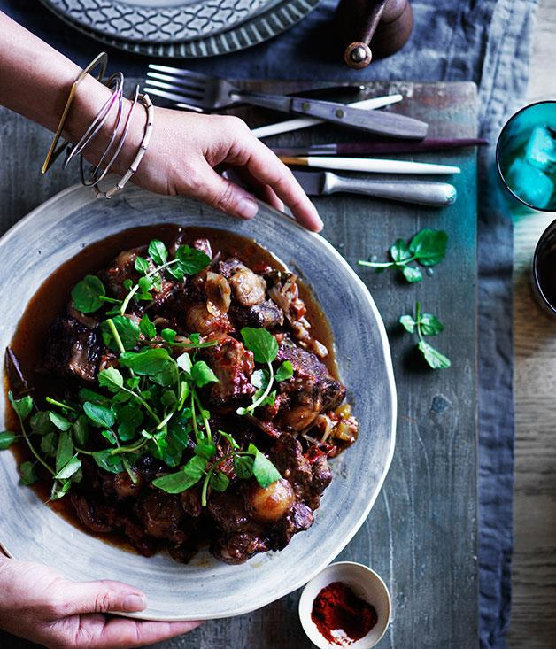 "**[Braised oxtail](https://www.gourmettraveller.com.au/recipes/browse-all/braised-oxtail-12563|target=""_blank"")**"