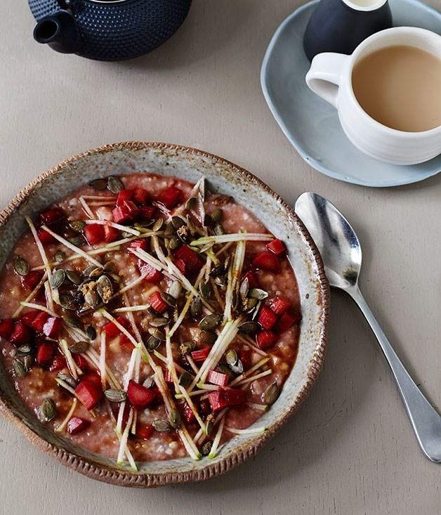 **Five grain porridge cake with roast rhubarb**