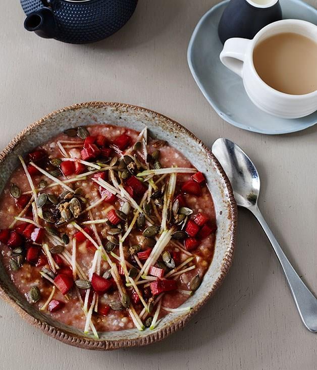 **Five grain porridge cake with roast rhubarb**