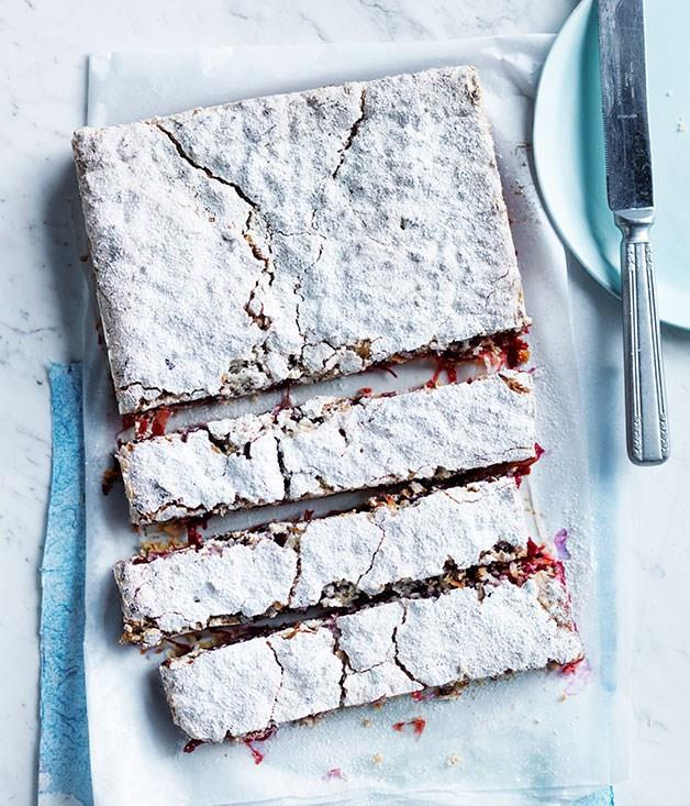 "**[Rhubarb, lime and coconut slice](https://www.gourmettraveller.com.au/recipes/browse-all/rhubarb-lime-and-coconut-slice-12249|target=""_blank"")**"