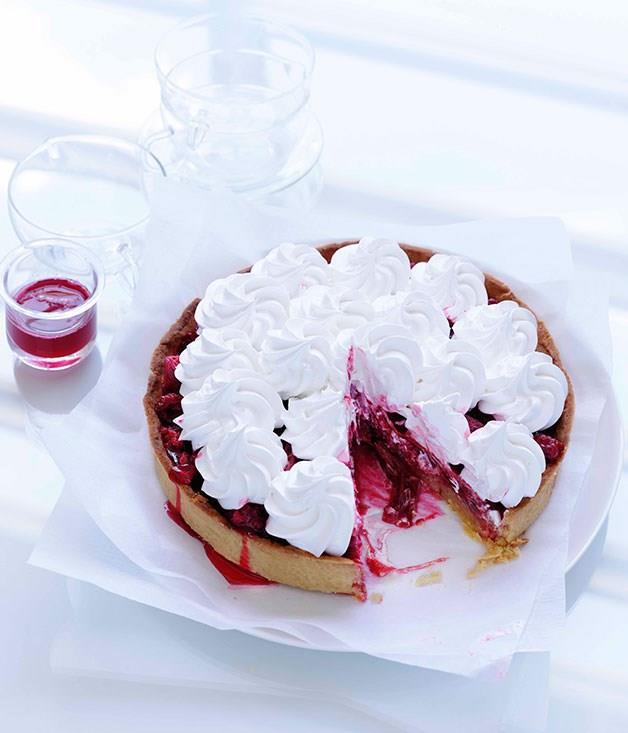 **Rhubarb and raspberry meringue tart**