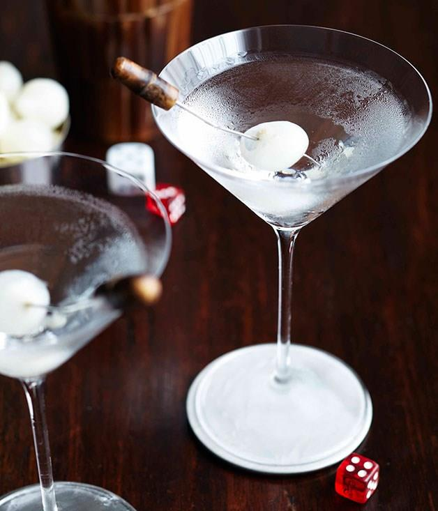 "**[The Baxter Inn's Cheever Gibson](https://www.gourmettraveller.com.au/news/drinks-news/signature-drink-the-baxter-inns-cheever-gibson-6520|target=""_blank"")** <br> An aromatic and salty riff on the Martini, garnished with a pickled onion."