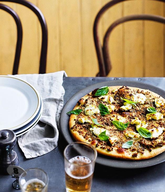 "[**Pizza verde Ladro**](https://www.gourmettraveller.com.au/recipes/chefs-recipes/pizza-verde-ladro-7723|target=""_blank"")"