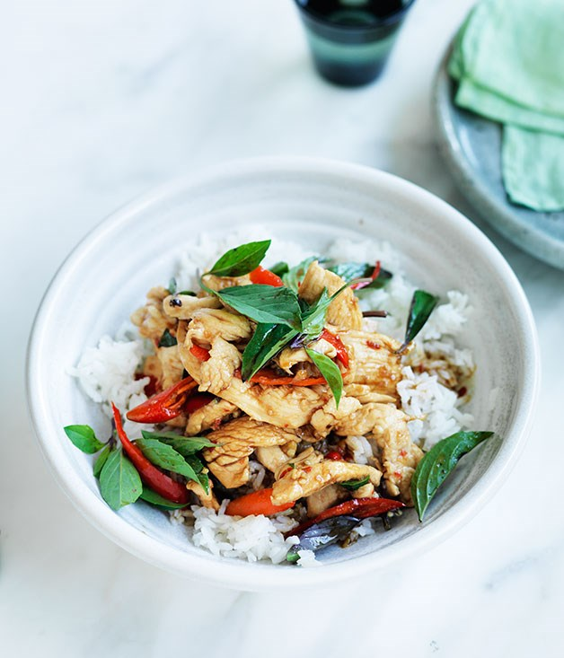 **Chicken stir-fried with holy basil and chilli**
