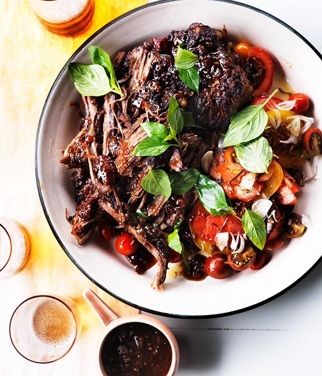 **Grilled flank with tomatoes and chilli-tamarind dressing**