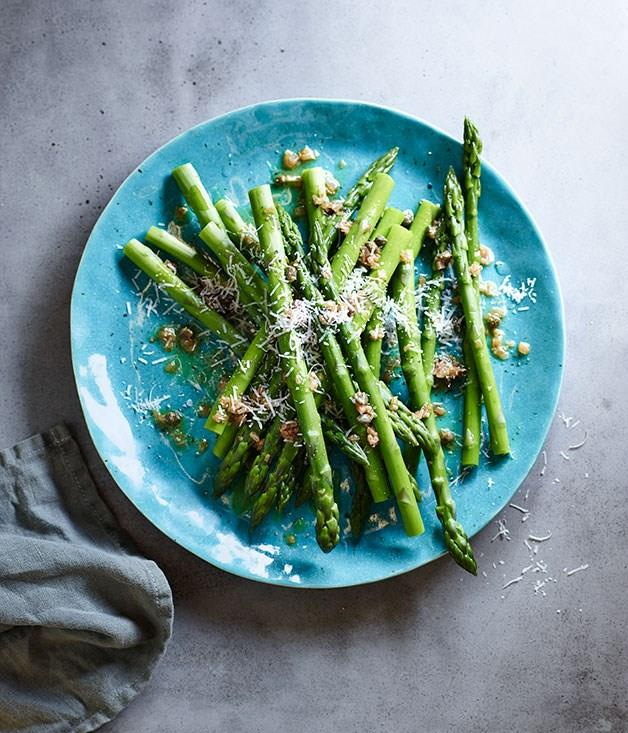 **Asparagus with caper and shallot butter**