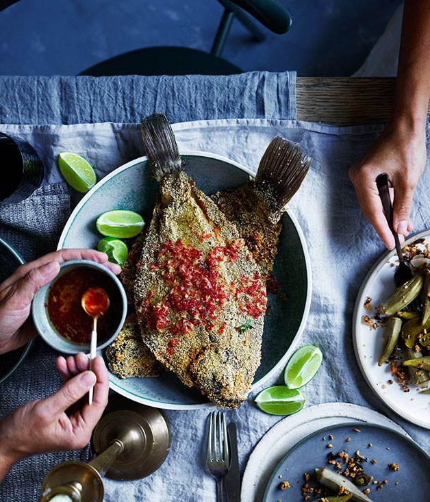 **Flounder fried in fubá with finger lime and young ginger**