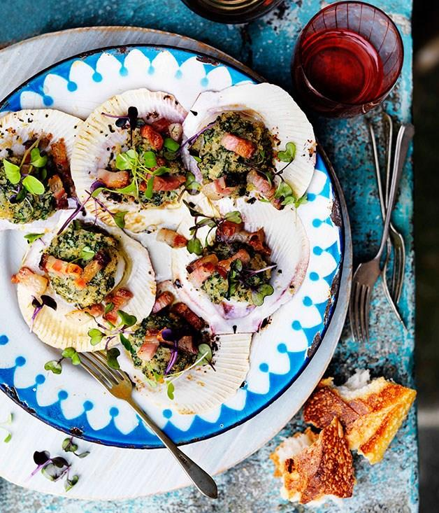 "[**Brown bread crusted scallops with lemon and pancetta**](https://www.gourmettraveller.com.au/recipes/browse-all/brown-bread-crusted-scallops-with-lemon-and-pancetta-10899|target=""_blank"")"