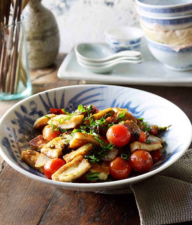 **Naxi-style fried goat's cheese, spring onions and tomatoes (Chao Rubing)**