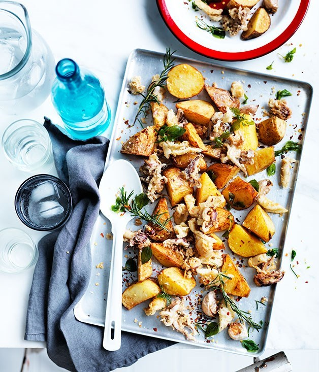 **Fried squid and potato with chilli and garlic**