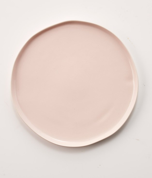 **GT x Robert Gordon Signature Cake Plate with Rim - $60** [**Buy it here.**](http://sorrythanksiloveyou.com/gt-x-robert-gordon-signature-cake-plate-with-rim)  _Gourmet Traveller_ teamed up with the crockery masters at Robert Gordon to develop a high tea-themed collection - handmade here in Australia - comprising creamers, cake stands, platters and plates. Detailed yet practical design is the stamp of the collaboration. The cake plates, for instance, have a slight lip on the edge, so if you have a sauce or syrup to drizzle over your cake, say, it's got somewhere to go. Where the very mention of afternoon tea might have some collectors fearing an outbreak of the tizzy and the twee, the collection takes a different tack. Lace-patterned embossing with a matte finish features across the range, bleeding out in parts to make way for contrasting, high-gloss finishes. Each plate comes in either pale pink, sage or slate.