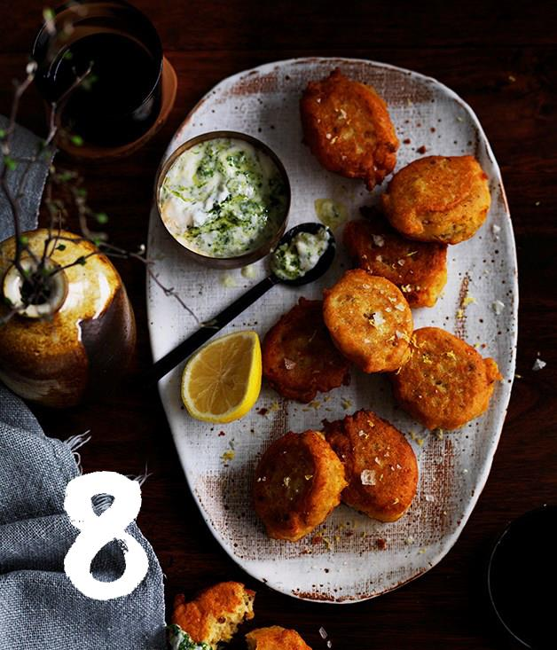 **Red lentil fritters with green yoghurt**