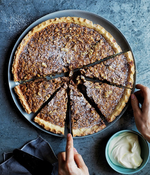 **Walnut, whiskey and salted caramel pie**