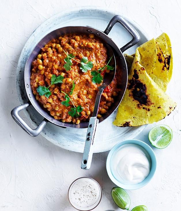 "**[Chana masala with yoghurt and flatbread](https://www.gourmettraveller.com.au/recipes/fast-recipes/chana-masala-with-yoghurt-and-flatbread-13771 target=""_blank"")**"
