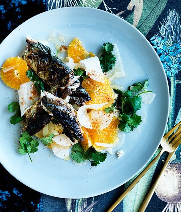 **Mackerel with orange and jicama salad**