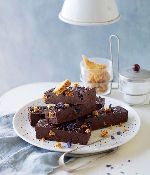 "[**Violet honeycomb truffle slice**](https://www.gourmettraveller.com.au/recipes/browse-all/violet-honeycomb-truffle-slice-11938|target=""_blank"")"