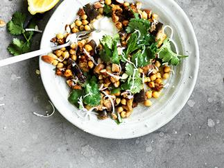 Chickpeas with steamed eggplant and almonds