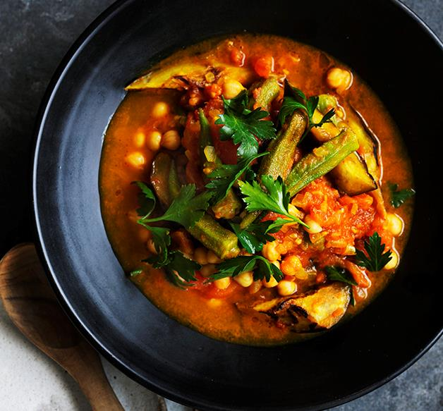 Quick okra, eggplant and turmeric stew