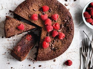 Cacao, hazelnut and raspberry cake