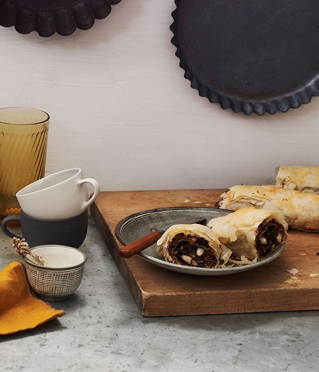 "[**Fig, honey, almond and chocolate strudel**](https://www.gourmettraveller.com.au/recipes/chefs-recipes/fig-honey-almond-and-chocolate-strudel-7876|target=""_blank"")"