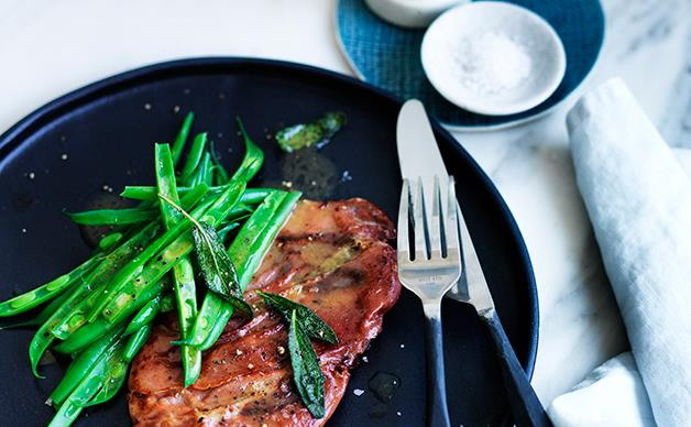 Lemon saltimbocca with green beans