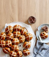 Hot cross bun recipes for Easter