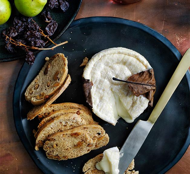 Aged goat's cheese and toasted walnut bread recipe