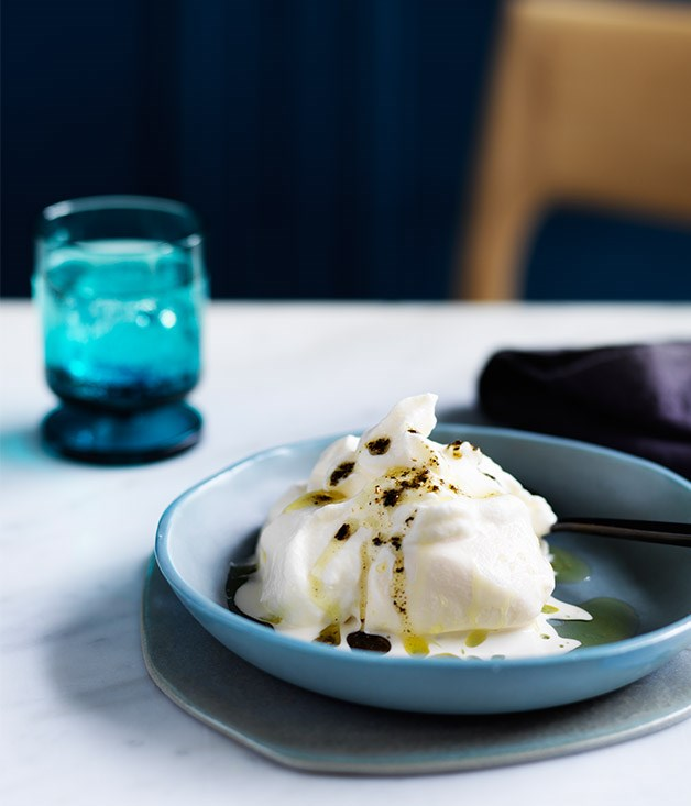 Soft meringue with ice-cream and kelp oil recipe
