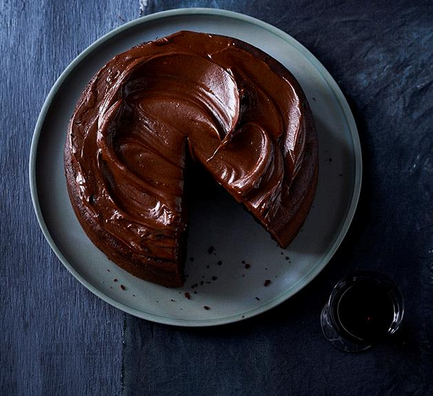 Chocolate cake with fudge icing recipe
